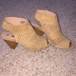Audrey Brooke Kirsten Booties Suede Leather 8.5